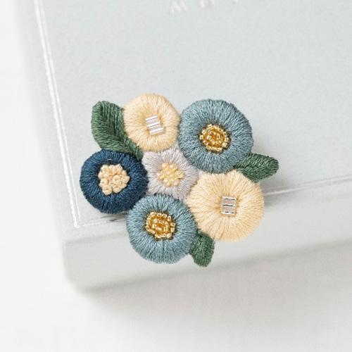 K.omono刺しゅうキット「floret garden」blue